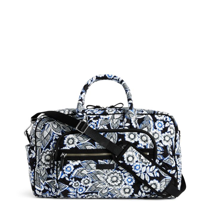 Image Of Iconic Compact Weekender Travel Bag In Snow Lotus