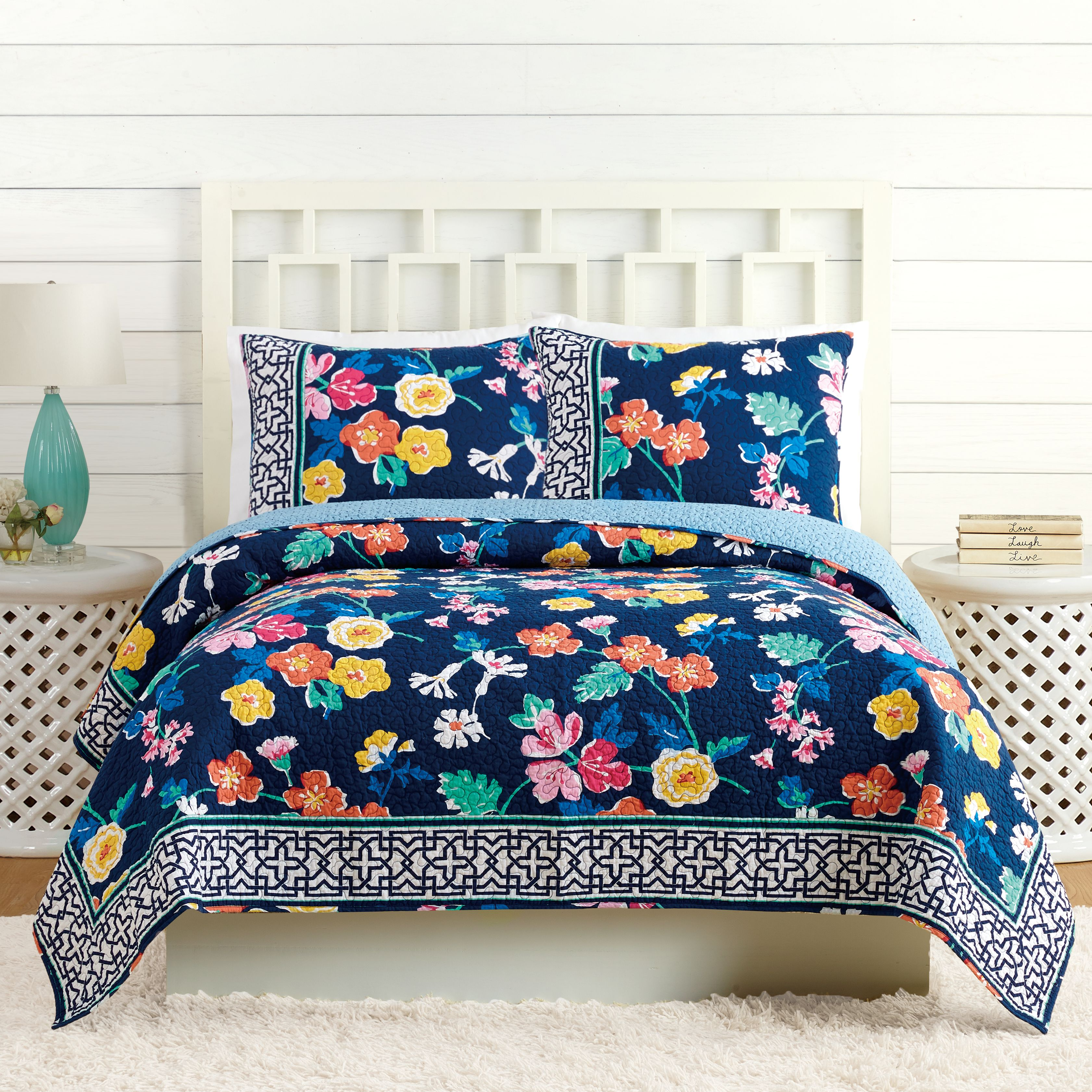Image Of Maybe Navy Quilt Full/Queen In Santiago Floral